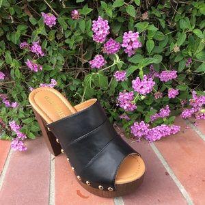 SHOEROOM21 boutique Shoes - Ladies wood heels peep toe sandals. Brown. NIB