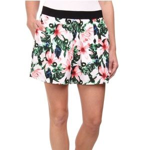 Vince Camuto Pants - Vince Camuto Jungle Floral Print Shorts