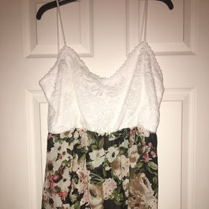 Boutique flowy tank