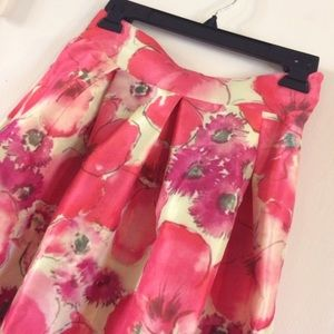 Dresses & Skirts - The perfect skirt for Spring! NWOT