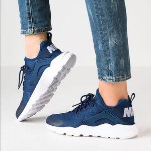 Nike Shoes - NWT Nike huarache ultra coastal blue