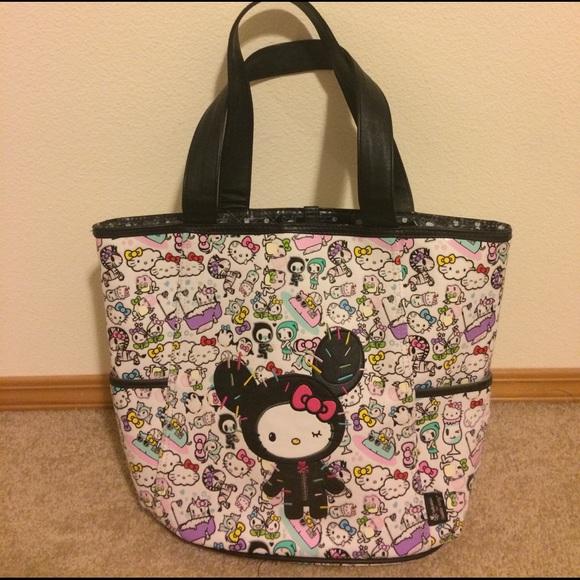 5d0aee3d57 Tokidoki Hello kitty large tote bag + free gift! M 58a900f913302a867f028da9