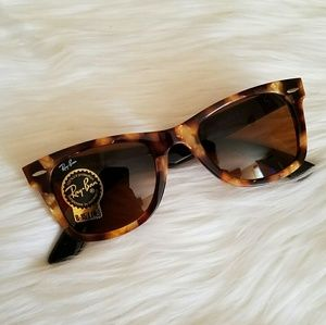 ❤SALE❤New Ray-Ban Wayfarer Tortoise Sunglasses
