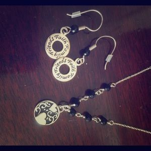 Jewelry - Earing and necklace set