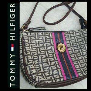 Tommy Hilfiger Handbags - Tommy Hilfiger Crossbody Bag