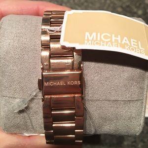 808dd36f38df Michael Kors Accessories - HP🎉2 24🎉NWT Auth Michael Kors Men s Watch