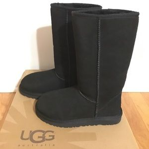 UGG Shoes - UGG✨Authentic NEW Classic Tall Black✨Size 5