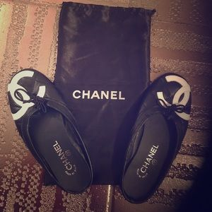 CHANEL Shoes - CHANEL SLIDES