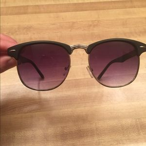Purple-tinted sunglasses
