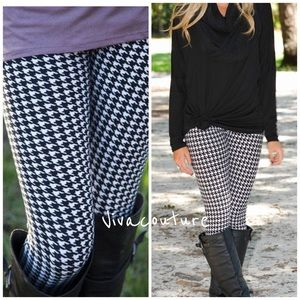 Vivacouture Accessories - New Houndstooth Microfiber Leggings