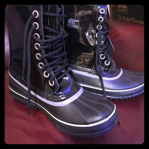 Sorel 964 Patent Leather Snow Boots
