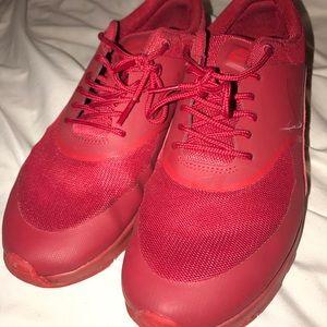 Red Nike Air Max Theas