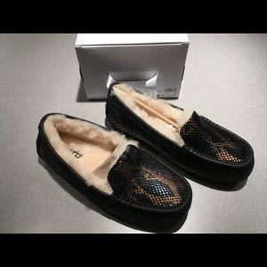 a87c49606b0 UGG® Ansley Exotic Velvet Slipper in Black size 8 NWT