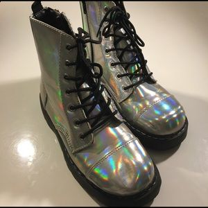 tuk Shoes - TUK CLUB KID IRIDESCENT BOOTS SZ 9