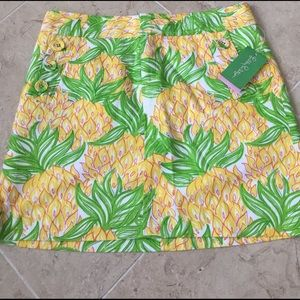 ✨Lilly Pulitzer✨NEW✨Size 6✨Pockets in the front✨
