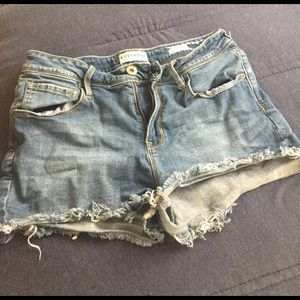 Bullhead Pants - Bullhead Denim Co. high waisted shorts!