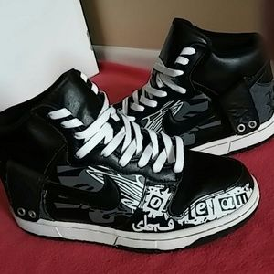 Nike Other - Nike Hightop SIZE 8.5 MEN and 10/10.5 WOMEN