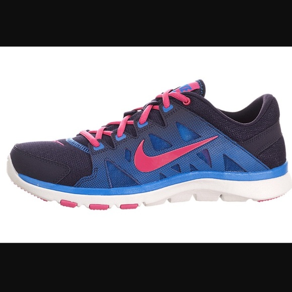 c06390155754 Nike Flex Supreme Tr 2 Women s 6 Mesh Sneakers 👟.  M 58a9bb17f09282b239009d5d