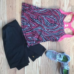 Lucy Tops - Lucy power workout top with built in support sz S