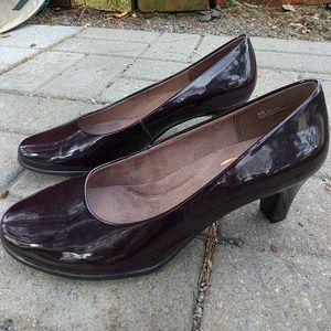 AEROSOLES Shoes - Burgundy Aerosoles Heels 8.5