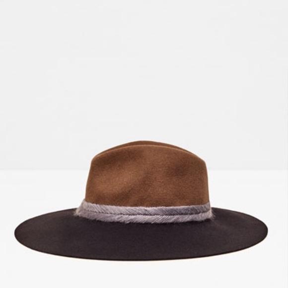 Zara Accessories - Interwoven two tone hat