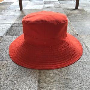 Hermes Accessories - AUTH Hermes Picardie Coral Wide Brim Hat
