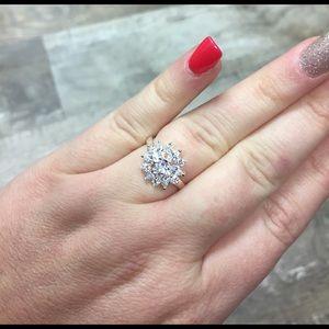 Pretty rhinestone ring 925 silver sz 7 new