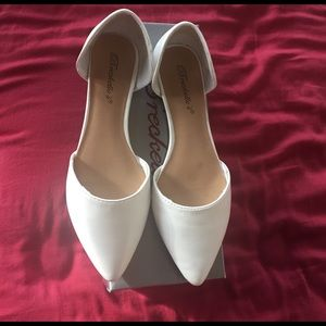 Breckelles Shoes - white pointy flats