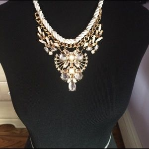 Jewelry - White and blush statement necklace