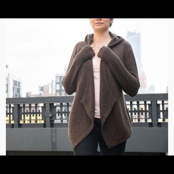 BETABRAND Black Sheep Wool Wrap Sweater