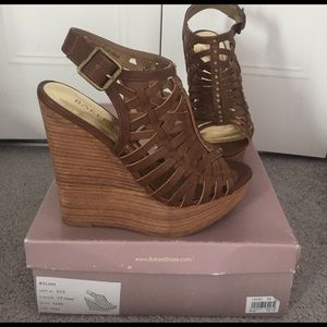 Bakers Shoes - Like new Bakers brand, brown wedges