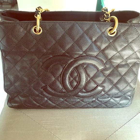 cc3062a8b5d1 CHANEL Handbags - Vintage CHANEL CC mark quilted chain bag black