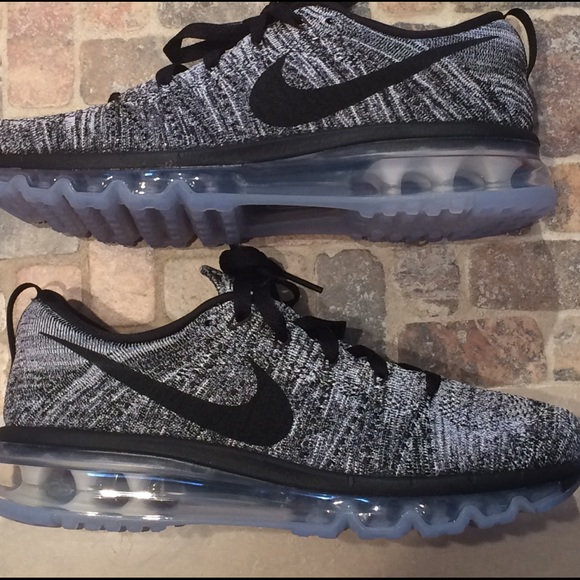 4c0bc12f1db82 Air max 360 Flyknit Oreo. NWT. Nike