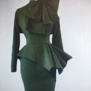 Dresses & Skirts - Pendulum Green dress