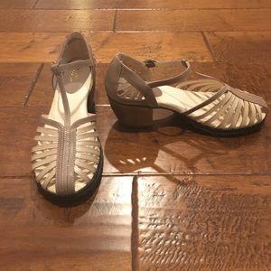 Jambu Shoes - Jambu sandals.  NWOT.