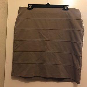 Forever 21 Dresses & Skirts - Size 2X brown elastic skirt.