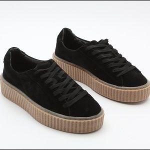 Shoes - Black and beige creepers