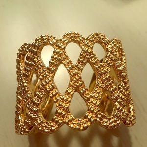 NWOT Lilly Pulitzer Gold Bracelet