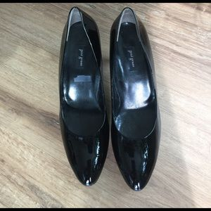 Paul Green Shoes - Pre-owned Paul Green Black Patent Pumps