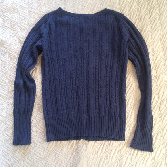 For sale is a ladies' large cardigan sweater from Old Navy - excellent used condition. The orange open-front top has long sleeves and is made of a cotton/polyester/acrylic blend. There may be small imperfections due to normal use.