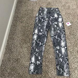 Emily Hsu Designs Pants - Emily Hsu High Waisted Capri Leggings - Sz: S NWT!