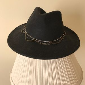 Forever 21 Accessories - Black hat