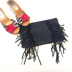 Boutique Handbags - ❣BOGO 1/2 off❣🆕 Fringe black mini bag