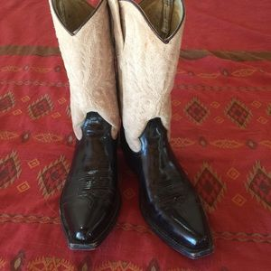 Stetson Shoes - A STEAL! Barley used Stetson ladies boots sz9.5