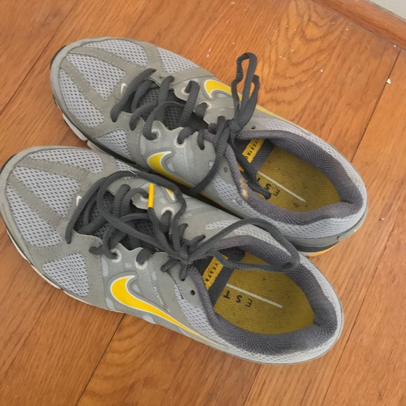Nike Zoom Air Livestrong Sneakers