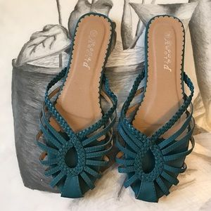 Shoes - Beautiful slip on Sandals