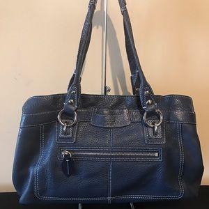 Coach Handbags - 🔥🔥Authentic Coach purse🔥🔥
