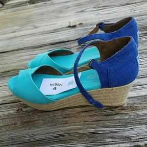 TOMS Shoes - NWT Toms 9W