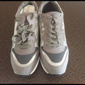 Shoedazzle Shoes - Shoedazzle Verity Grey Multi Sneakers