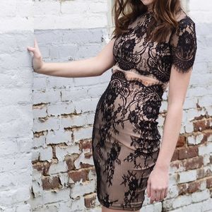 MISSGUIDED BLACK AND TAN LACE CUTOUT DRESS
